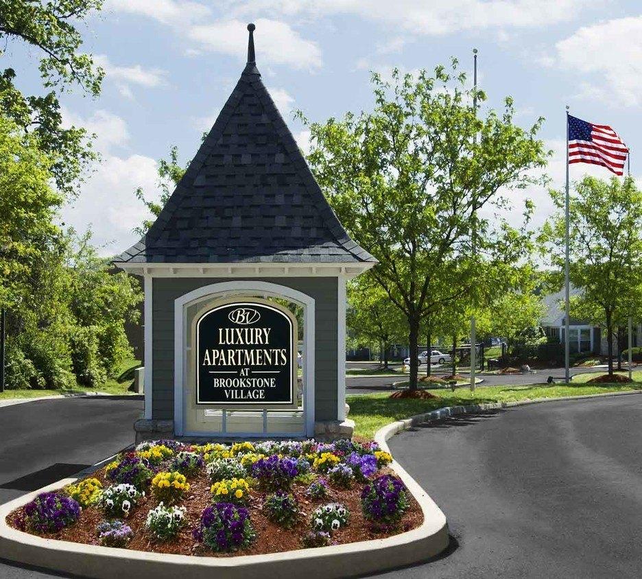3515 Brookstone Dr, Cincinnati, OH 45209