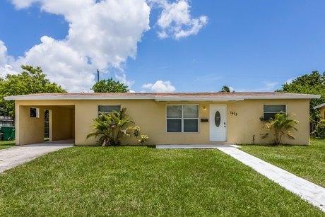 1475 NW 195th St, Miami, FL 33169