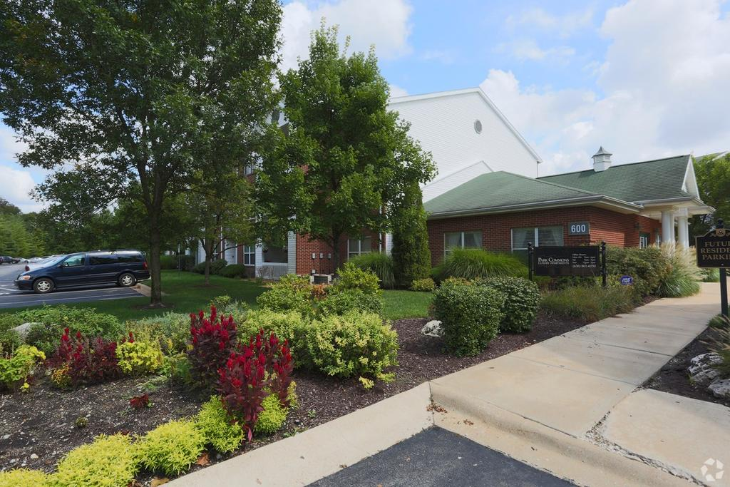 600 Park Commons Ct, Valley Park, MO 63088