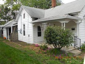 6 S Madison St, Greencastle, IN 46135