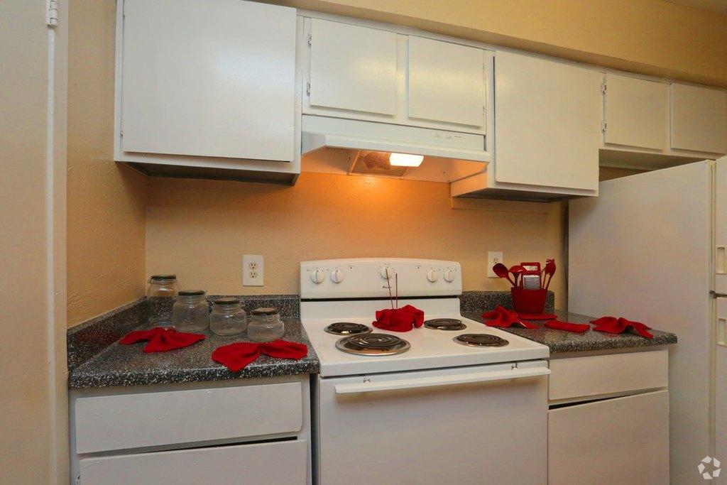 Plaza Azul Apartments 12600 Brookglade Cir Apartment For Rent Doorsteps