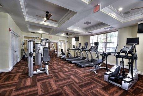 1820 Crosstown Club Pl Tampa, FL 33619