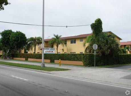 10331 Sw 24th St Miami, FL 33165