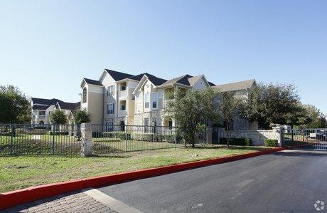 5600 Babcock Rd San Antonio, TX 78240