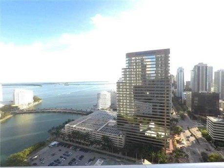 485 Brickell Ave Miami, FL 33131