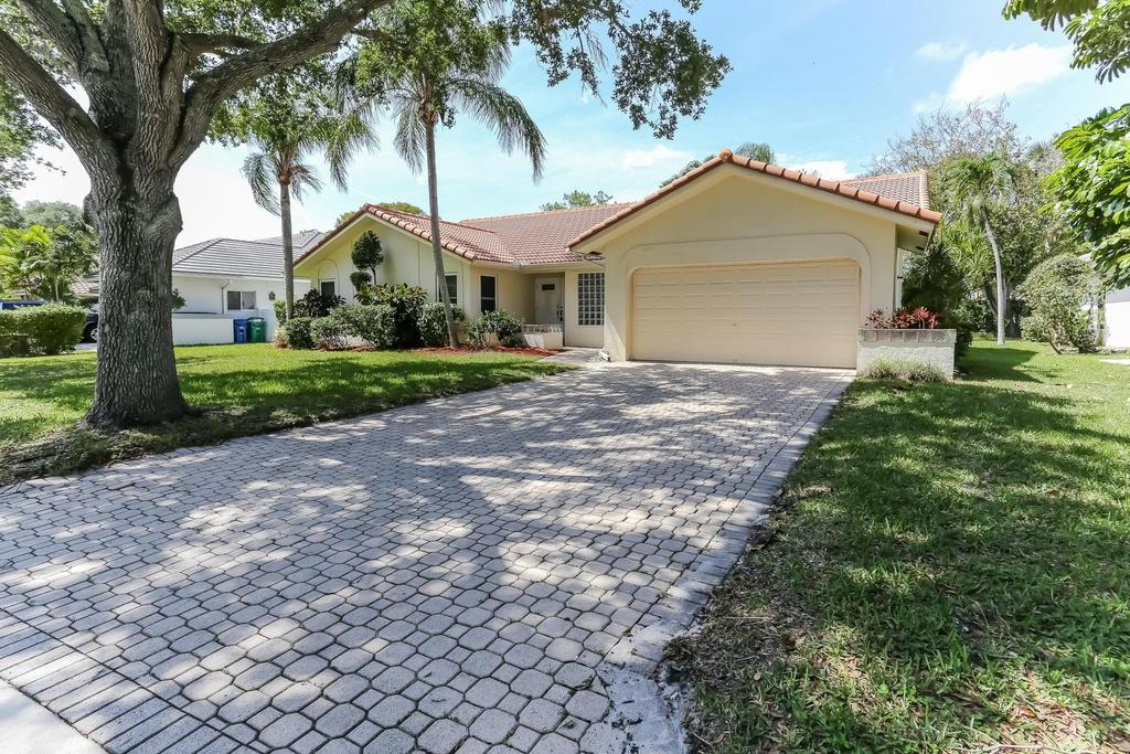 6473 NW 43rd Ct, Coral Springs, FL 33067