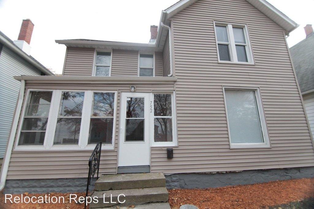 752 17th Ave Single Family House For Rent Doorstepscom