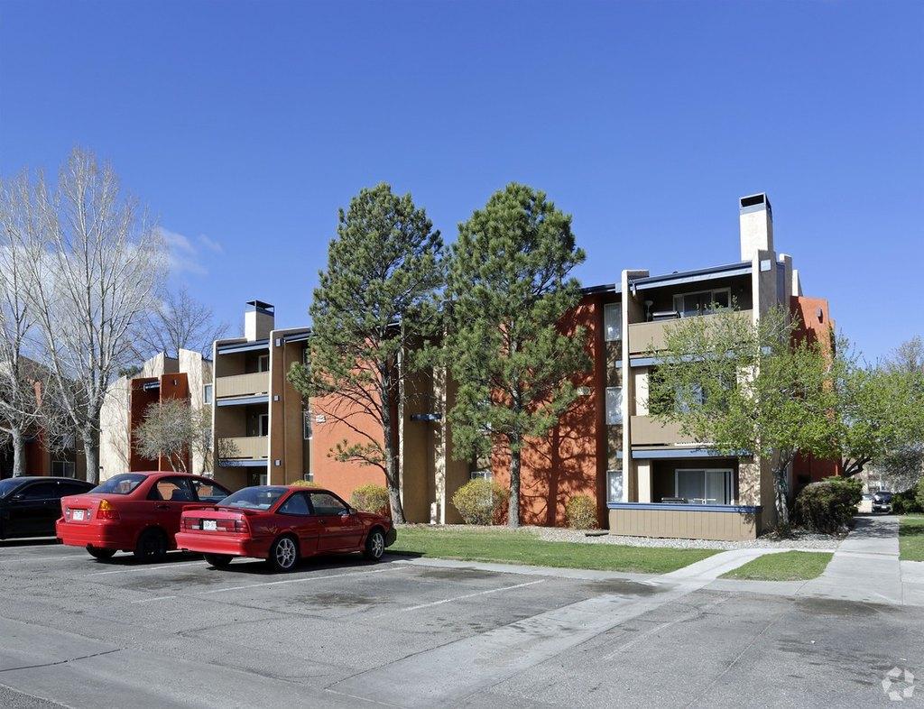 3562 N Carefree Cir, Colorado Springs, CO 80917
