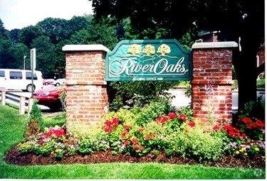 1 Oakhurst Cir, Pittsburgh, PA 15215