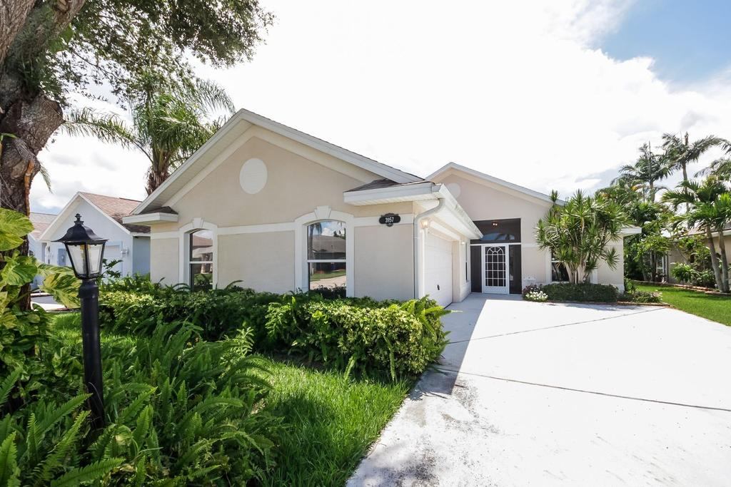 3957 Montesino Dr, Rockledge, FL 32955