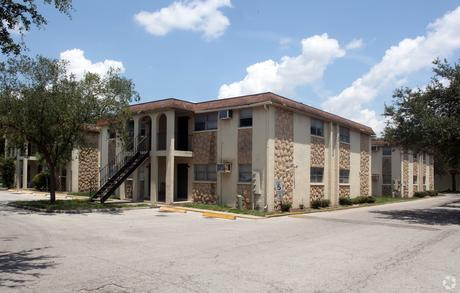 1250 Skipper Rd, Tampa, FL 33613