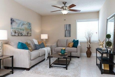 2402 Teresa Cir, Tampa, FL 33629