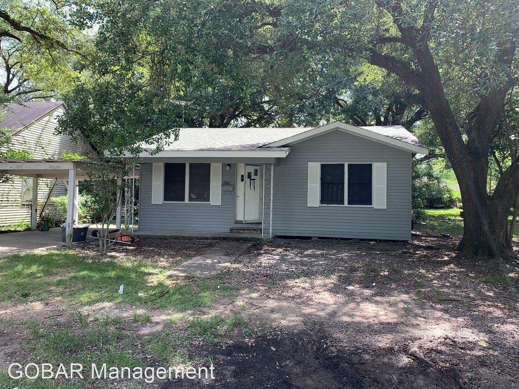 860 N 4th St, Silsbee, TX 77656