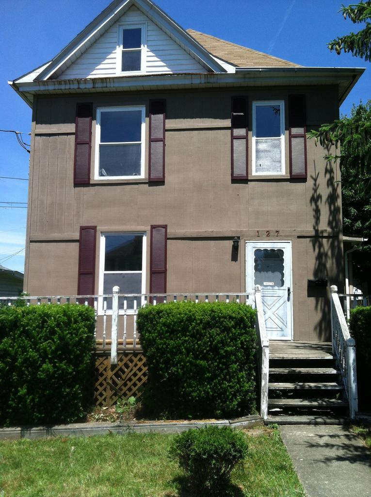 127 Reeves Ave, Fairmont, WV 26554