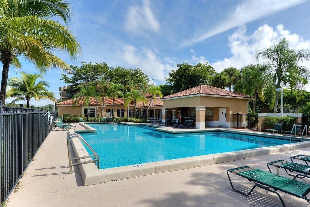 1081 N Benoist Farms Rd, West Palm Beach, FL 33411