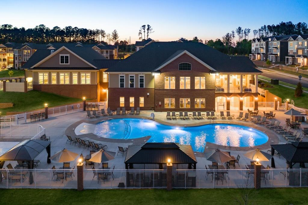 2015 Wave Crest Dr, Raleigh, NC 27610