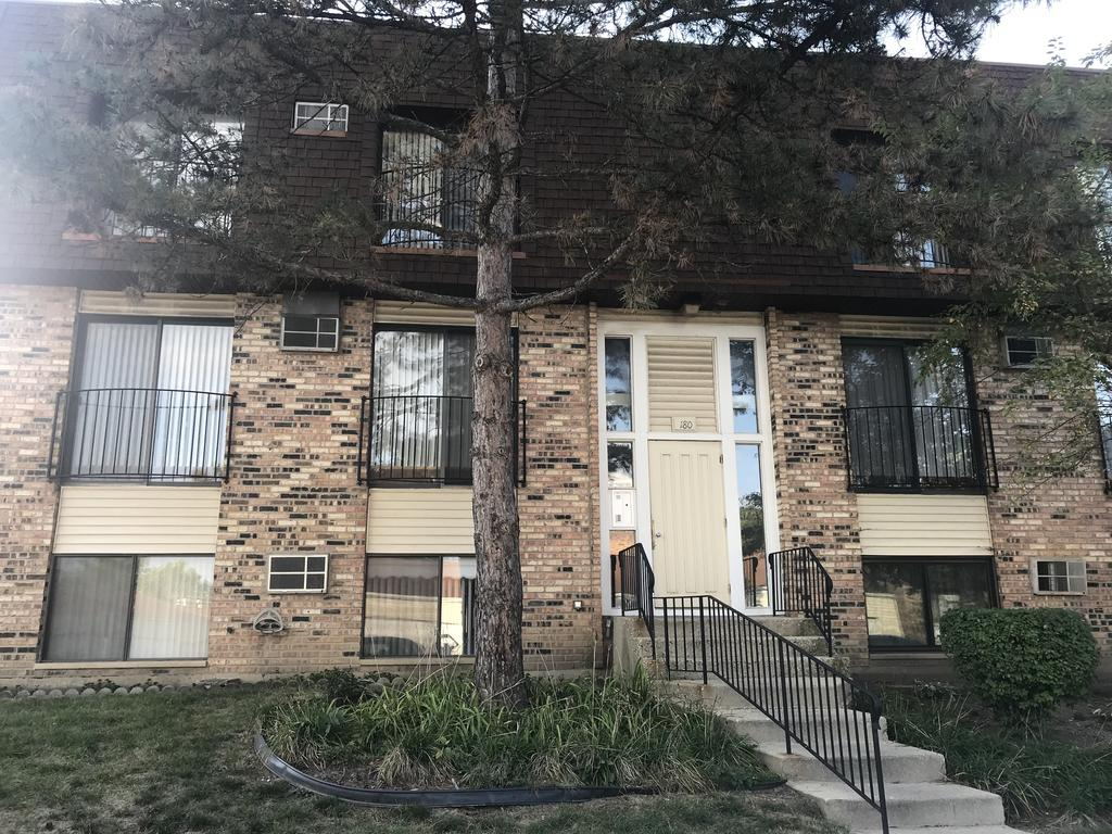 180 S Waters Edge Dr Apt 202, Glendale Heights, IL 60139