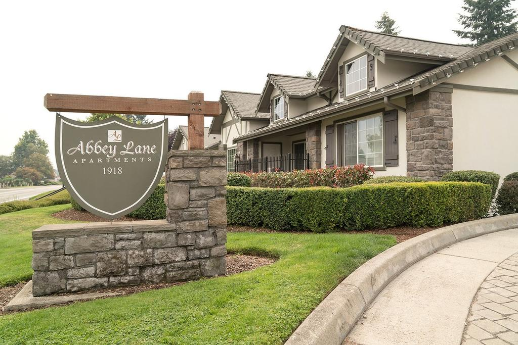 1918 70th Ave W, Tacoma, WA 98466