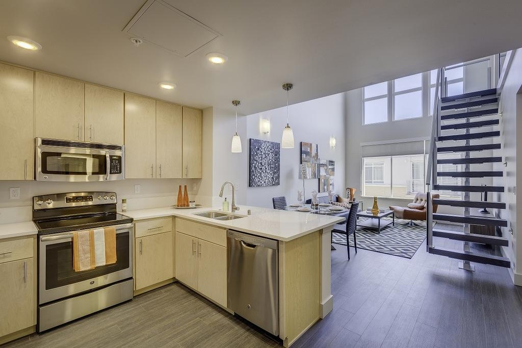 7650 SE 27th St, Mercer Island, WA 98040
