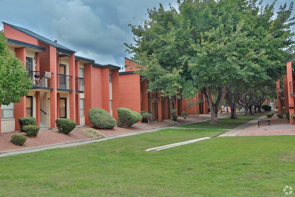 10535 Montwood Dr, El Paso, TX 79935