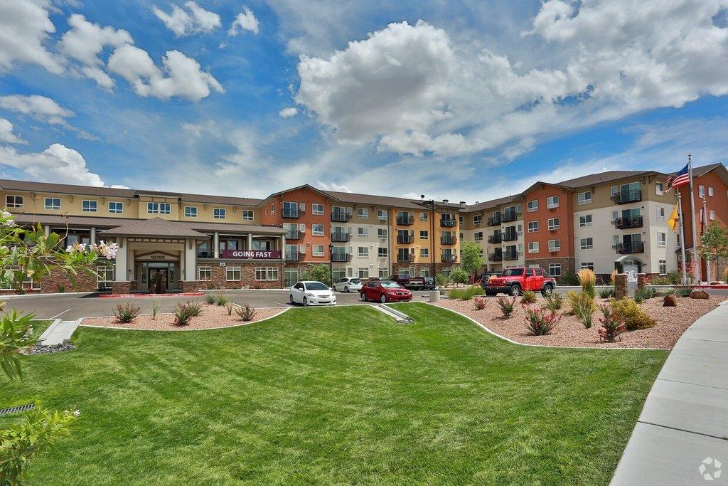 10700 Fineland Dr NW, Albuquerque, NM 87114