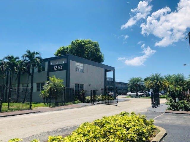 1210 Palm Beach Lakes Blvd, West Palm Beach, FL 33401