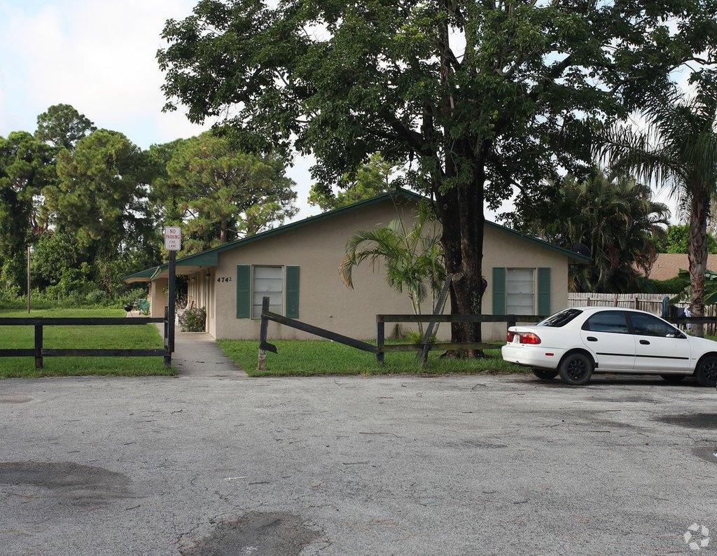 4696-4742 Grove St, West Palm Beach, FL 33415