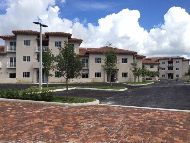 231 W 79th Pl, Hialeah, FL 33014