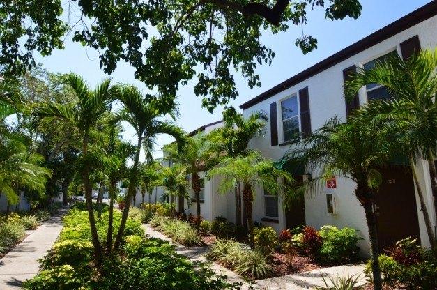 521 Van Buren St, Fort Myers, FL 33916