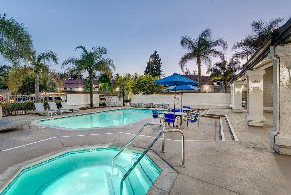 4200 W 1st St, Santa Ana, CA 92703