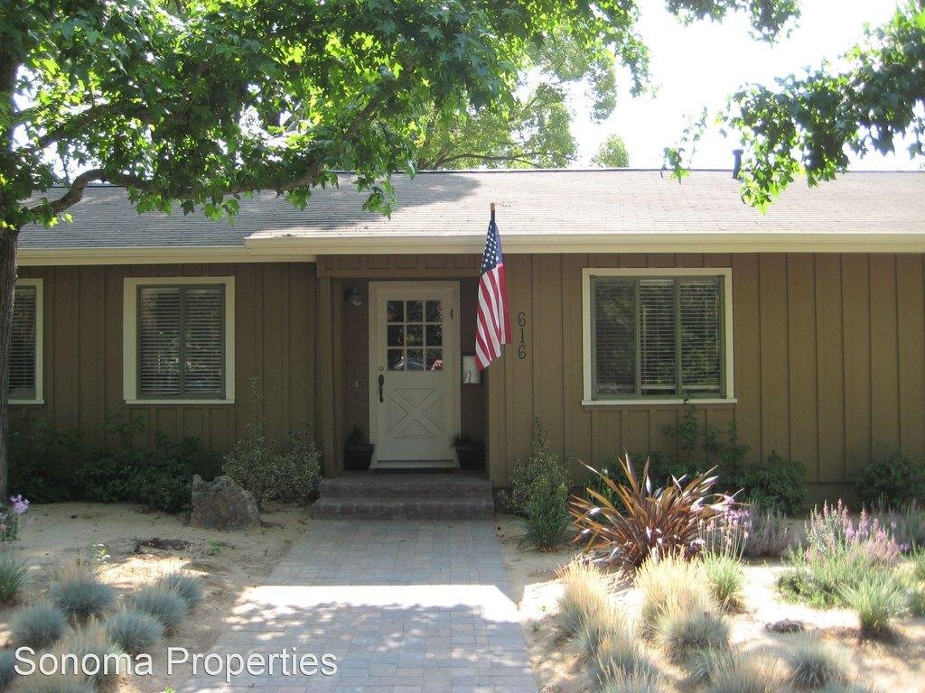616 Austin Ave, Sonoma, CA 95476